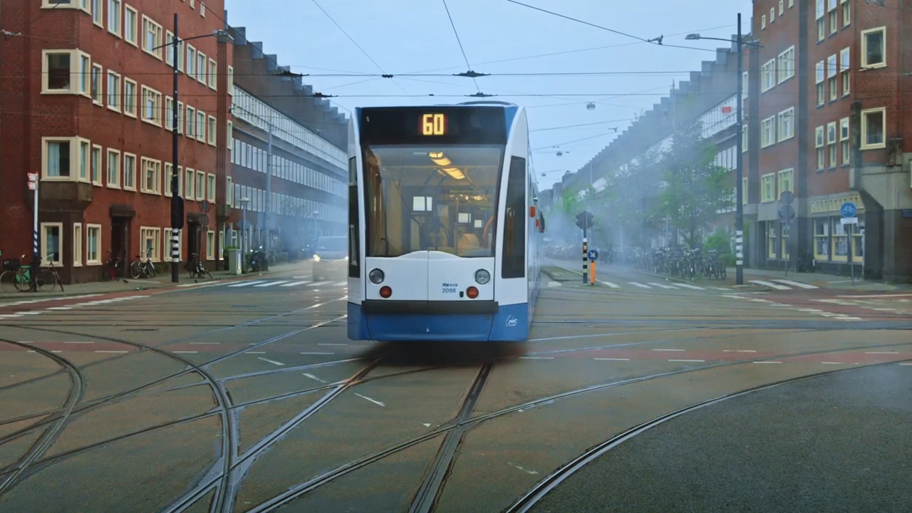 Pearle-Opticiens-commercial-3voor1-tram_1_10